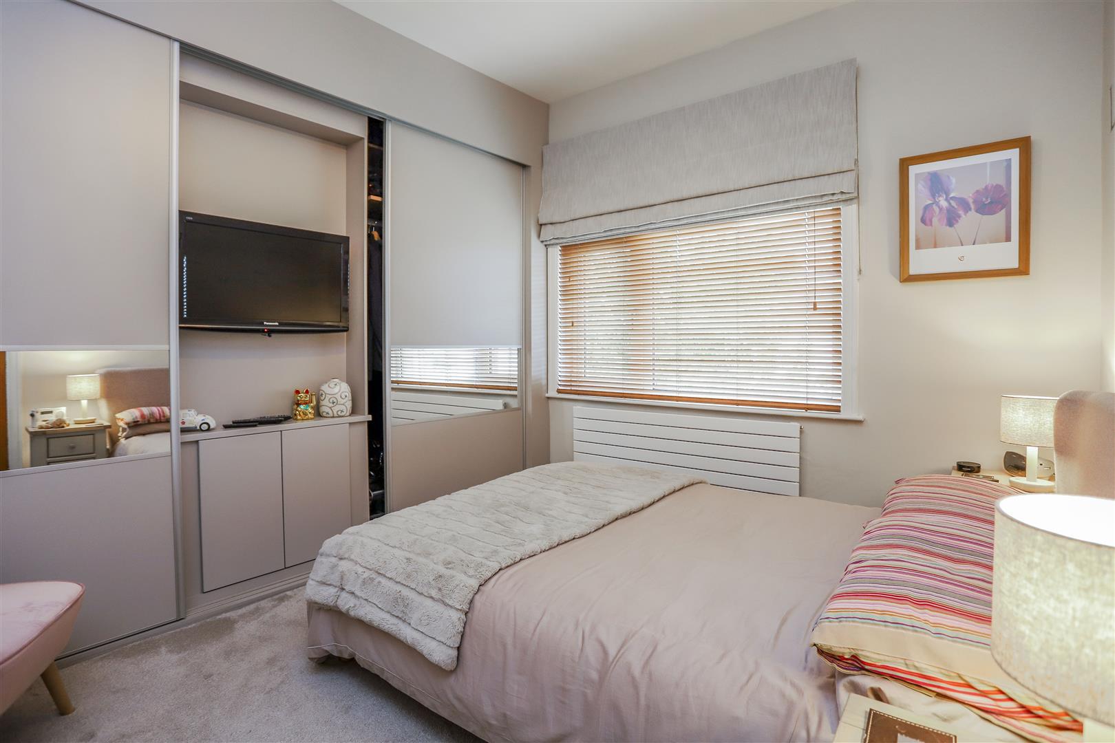3 Bedroom Semi-detached House For Sale - 5.JPG